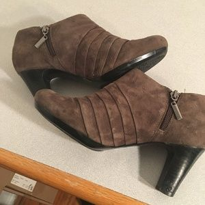 Clarks Artisan Brown Leather Suede Booties
